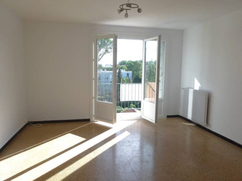 Rental apartment Avignon 669€ CC - Picture 1