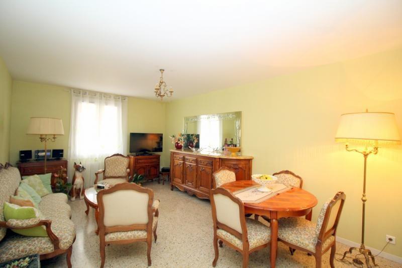 Vendita appartamento Salon de provence 168000€ - Fotografia 5