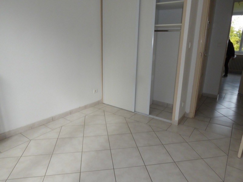 Location appartement Aubenas 521€ CC - Photo 9