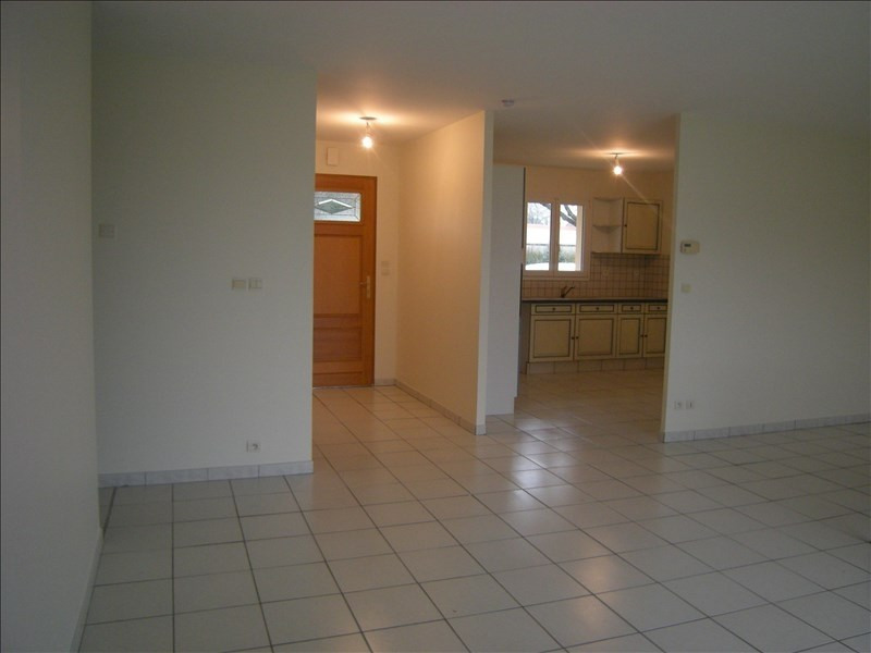 Location maison / villa Colombiers 800€ CC - Photo 3