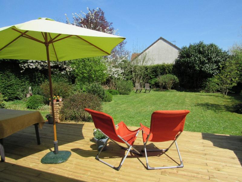 Sale house / villa Lesigny 383000€ - Picture 1