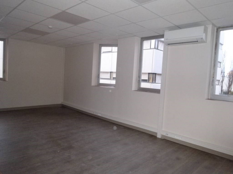 Rental office Avignon 3 000€ CC - Picture 3