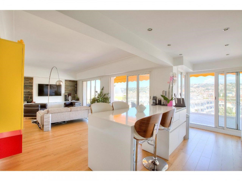Deluxe sale apartment Nice 568500€ - Picture 2