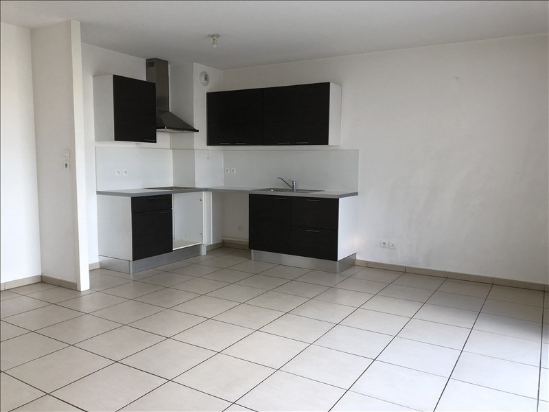 Location appartement Tassin la demi lune 744€ CC - Photo 2