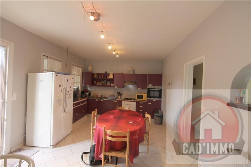 Sale house / villa St pierre d eyraud 214000€ - Picture 4