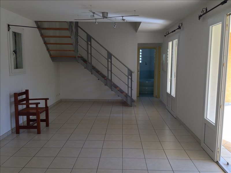 Location maison / villa La possession 1 238€ CC - Photo 6