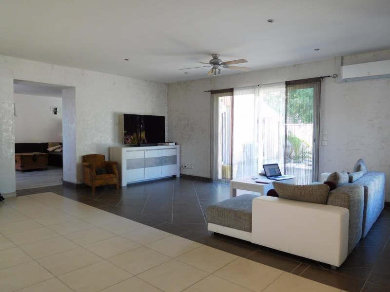 Sale house / villa St laurent d arce 325000€ - Picture 2