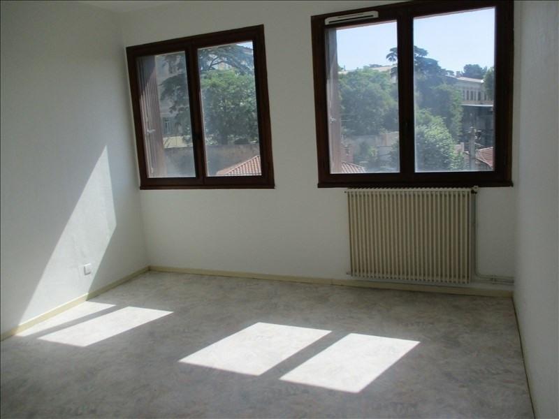 Rental apartment Salon de provence 582€ CC - Picture 6