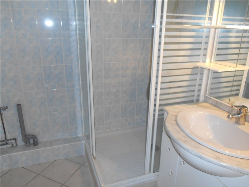 Rental apartment Saint andre les vergers 430€ CC - Picture 5