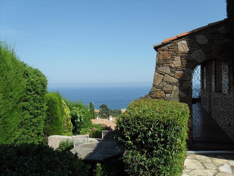 Sale house / villa Les issambres 840000€ - Picture 1