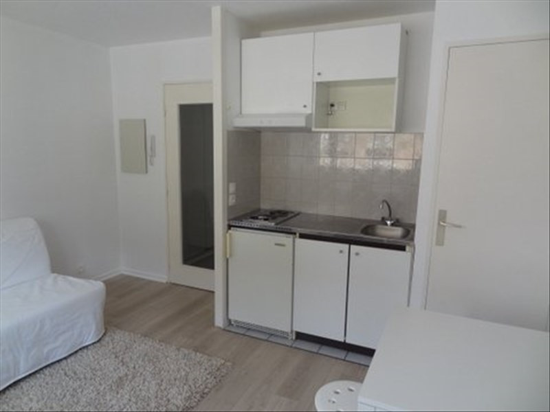 Rental apartment Pau 352€ CC - Picture 3