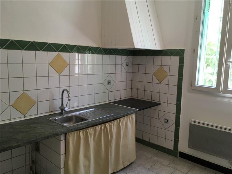 Sale apartment Salon de provence 137000€ - Picture 2