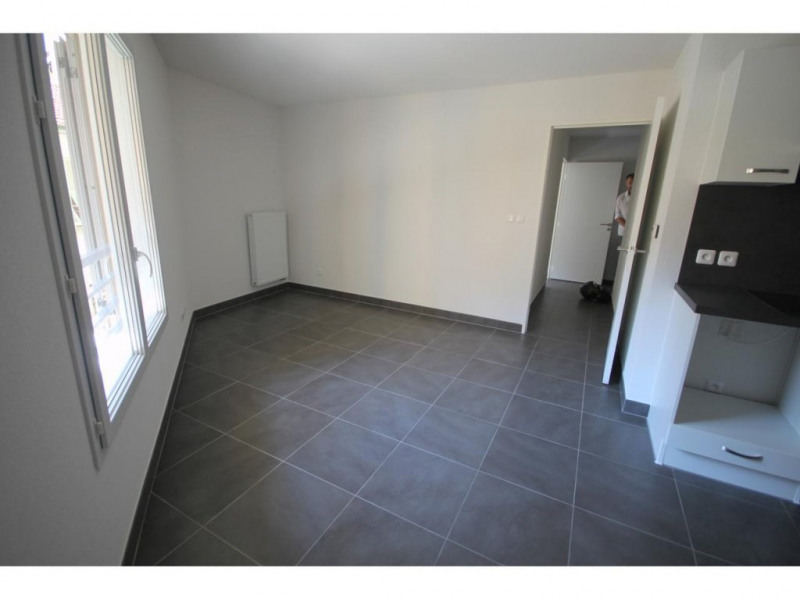 Location appartement Nice 840€ CC - Photo 2