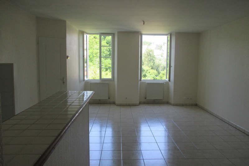 Location appartement Angoulême 564€ CC - Photo 1