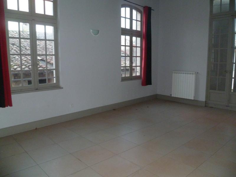 Location appartement Beaucaire 643€ CC - Photo 1