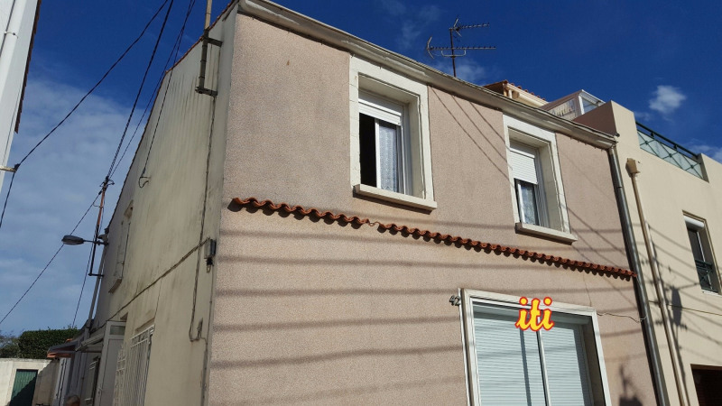 Sale apartment Les sables d olonne 137 700€ - Picture 1