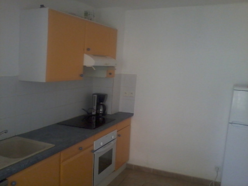 Rental house / villa Gourbeyre 946€ CC - Picture 7