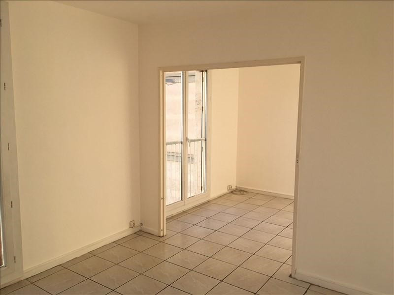Rental apartment Salon de provence 673€ CC - Picture 2