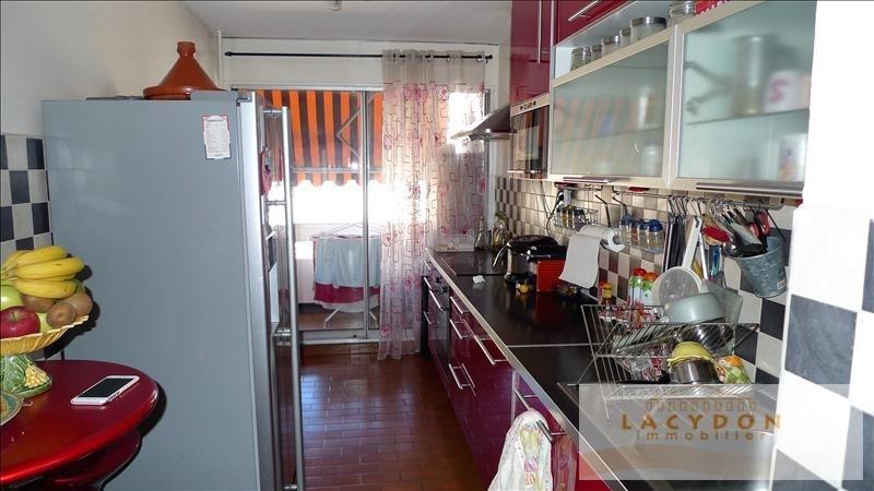 Sale apartment Marseille 4ème 184000€ - Picture 2