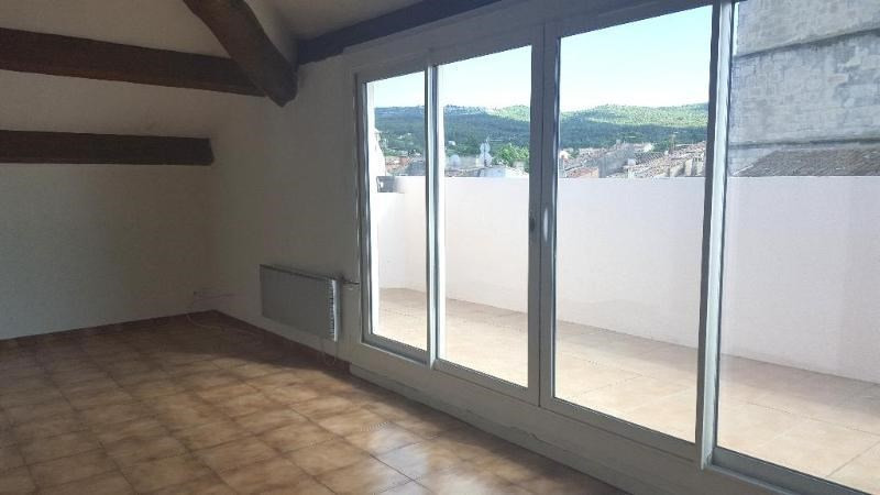 Location appartement Trets 601€ CC - Photo 1