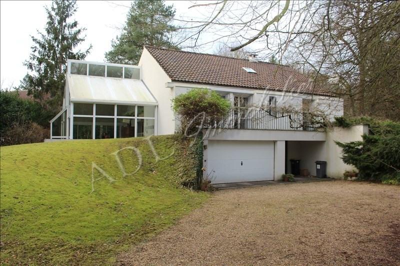Deluxe sale house / villa Lamorlaye 648000€ - Picture 1