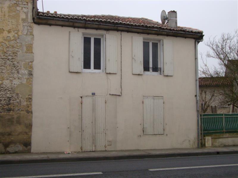 Sale house / villa Saint-jean-d'angély 29648€ - Picture 1