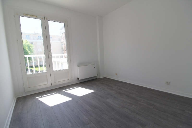 Sale apartment Elancourt 150 000€ - Picture 2