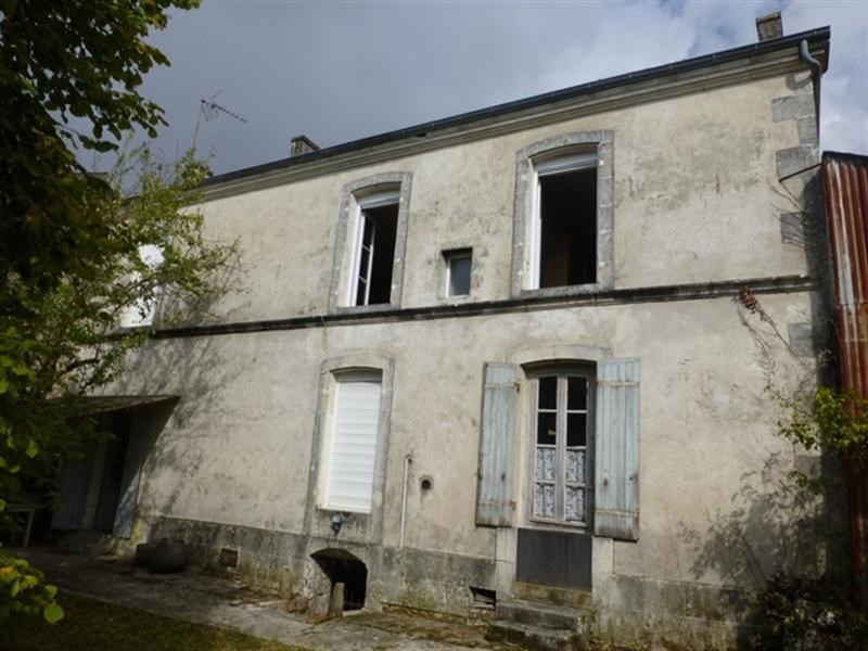 Sale house / villa Saint-jean-d'angély 75 000€ - Picture 1