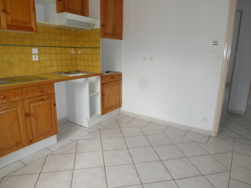 Location appartement Aubenas 521€ CC - Photo 5