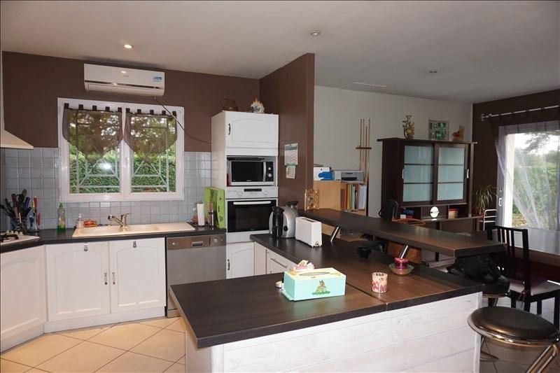 Sale house / villa St andre de cubzac 164000€ - Picture 5