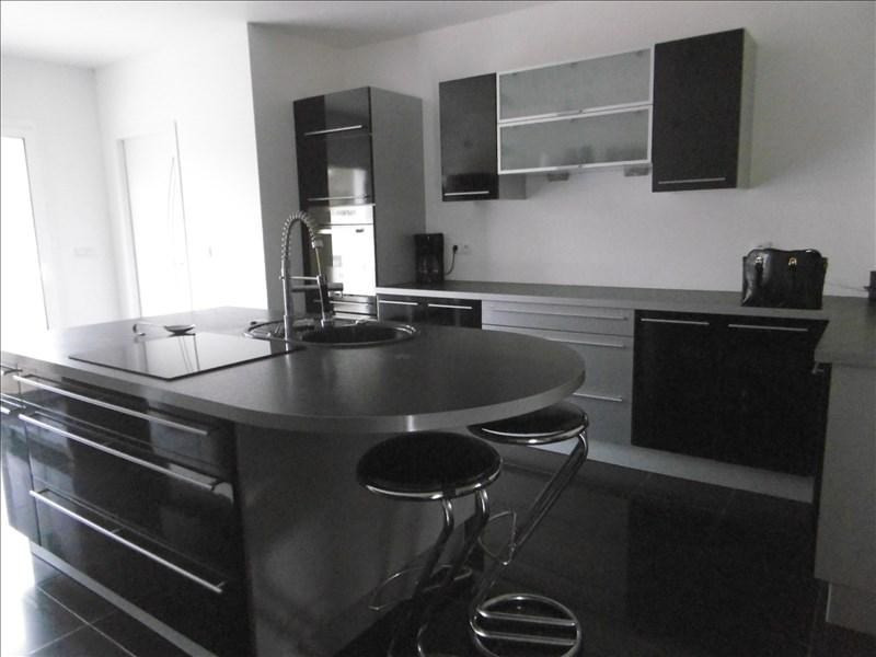 Sale house / villa St quentin 242700€ - Picture 2
