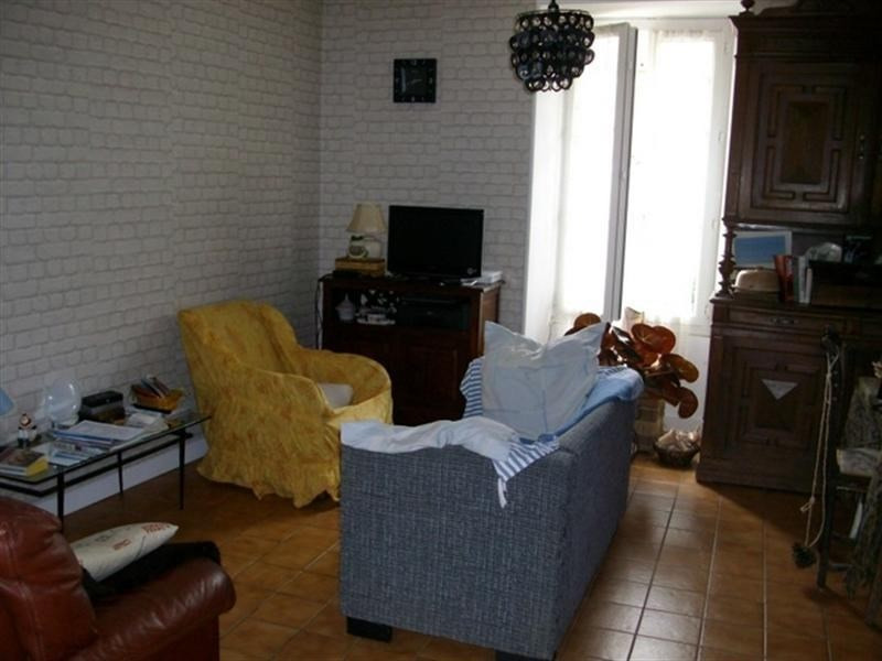 Sale house / villa St jean d angely 112000€ - Picture 3