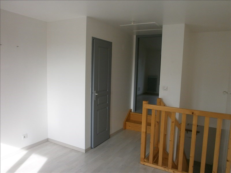 Location maison / villa Crachier 560€ +CH - Photo 3