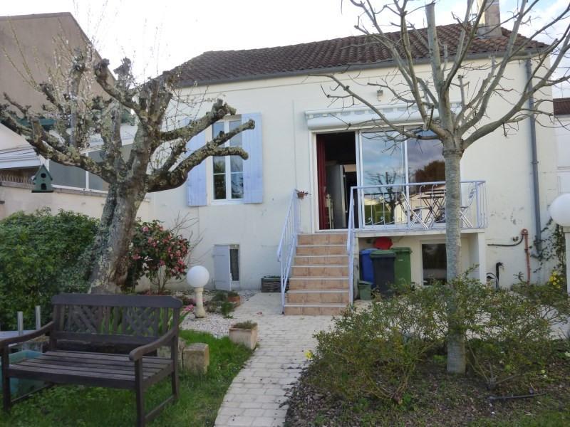 Sale house / villa Saintes 189500€ - Picture 1