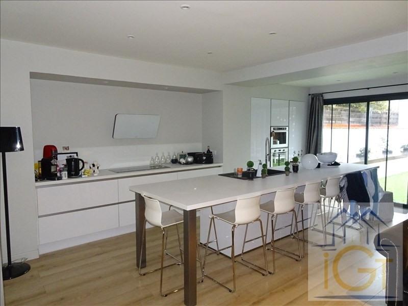 Deluxe sale house / villa Chatelaillon plage 690000€ - Picture 1