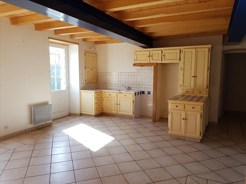 Sale house / villa Thaire 231 660€ - Picture 1