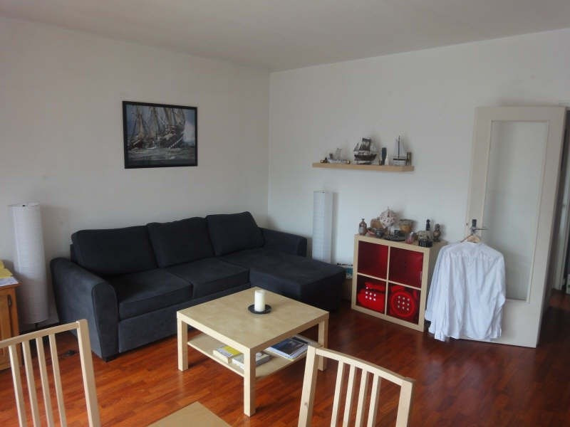 Rental apartment La celle st cloud 976€ CC - Picture 2