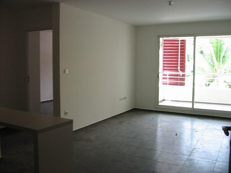 Location appartement Ste clotilde 573€ CC - Photo 2