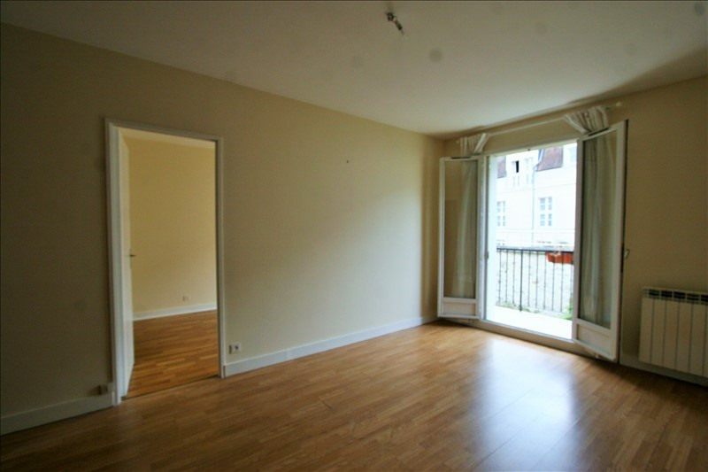 Rental apartment Fontainebleau 630€ CC - Picture 1