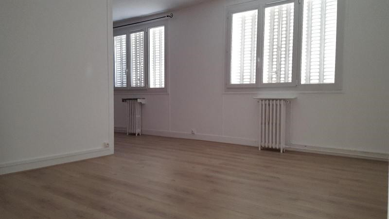 Location appartement Colombes 802€ CC - Photo 1
