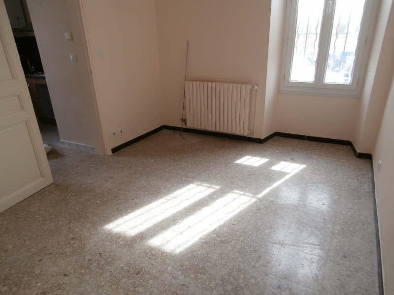 Location appartement Salon de provence 565€ CC - Photo 2