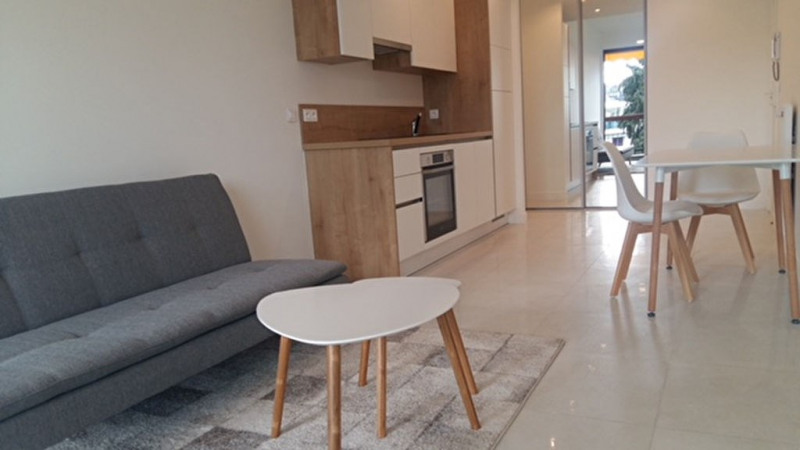 Sale apartment Nice 216 000€ - Picture 2