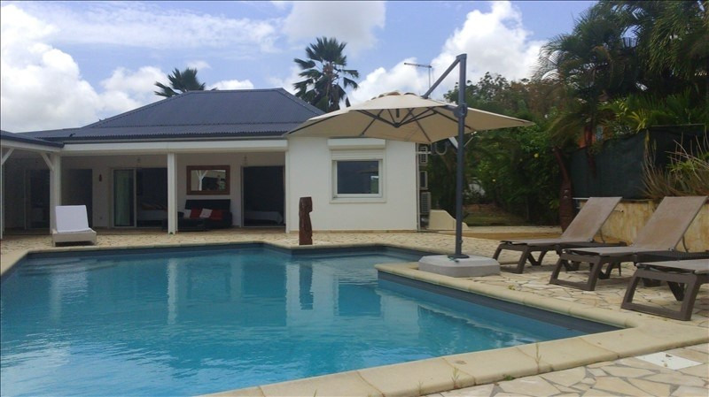 Deluxe sale house / villa Ste anne 1010000€ - Picture 6