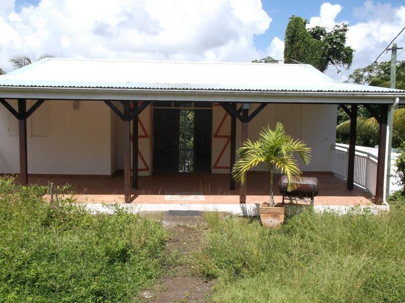 Rental house / villa Petit bourg 990€ CC - Picture 1