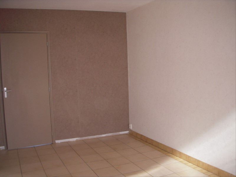 Location appartement Cannes ecluse 455€ CC - Photo 3