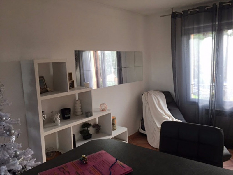 Location appartement Aix en provence 880€ CC - Photo 6