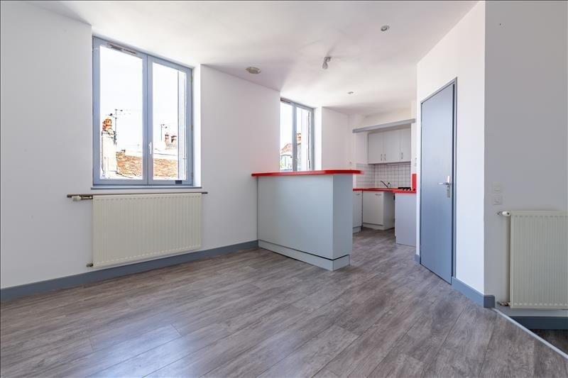 Sale apartment Besancon 95000€ - Picture 2