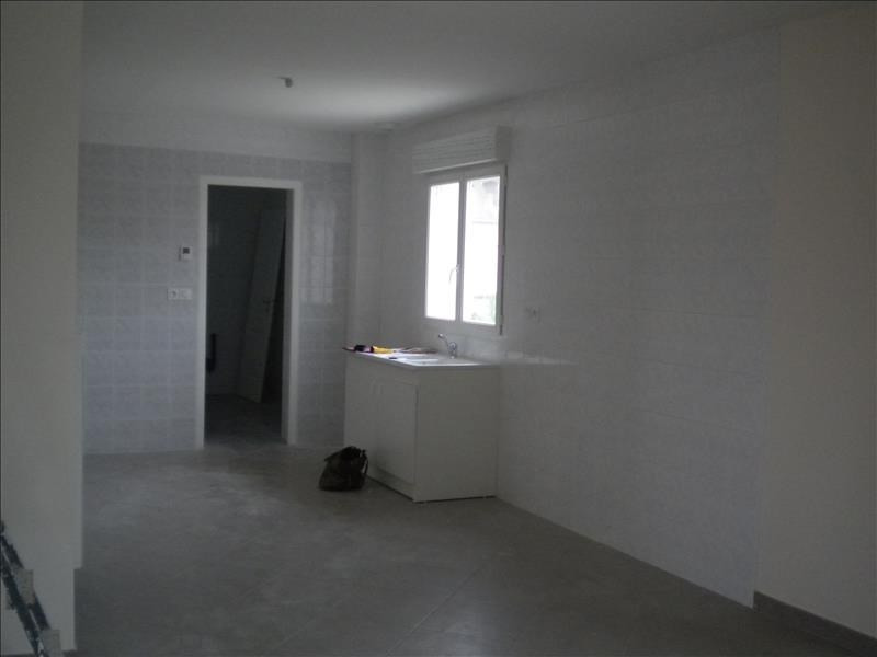Location maison / villa Ste anne 796€ CC - Photo 3