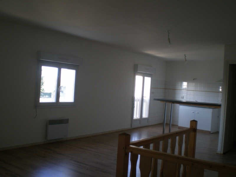 Rental house / villa Blaye 634€ CC - Picture 3