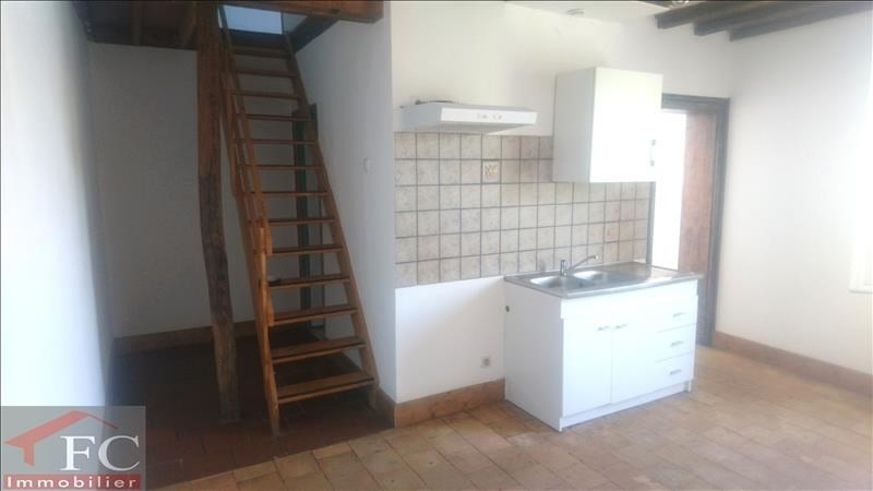 Rental house / villa Chateau renault 290€ CC - Picture 1